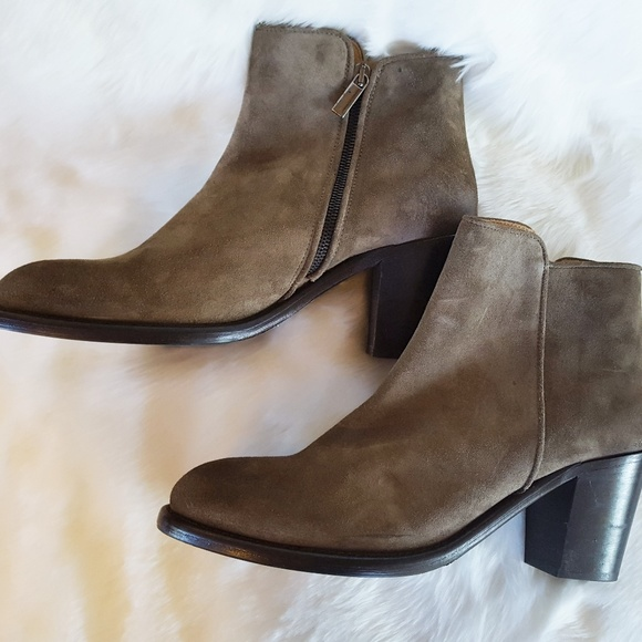 Barneys New York Shoes - Women's Taupe Suede Barneys Ankle Boots size 10.5
